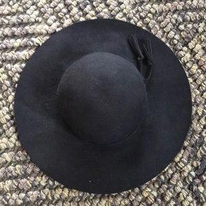 Apt 9 Flop Hat